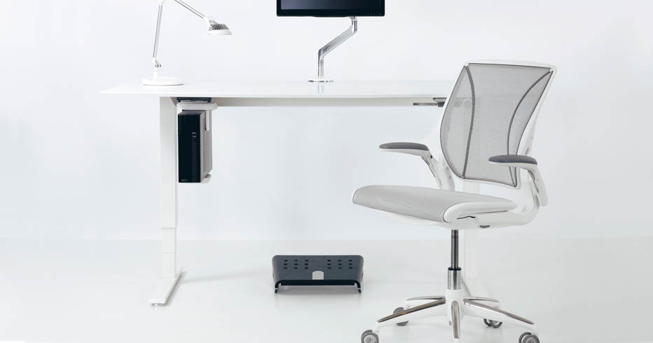 Adjustable Height Desk Review The Humanscale Float Table